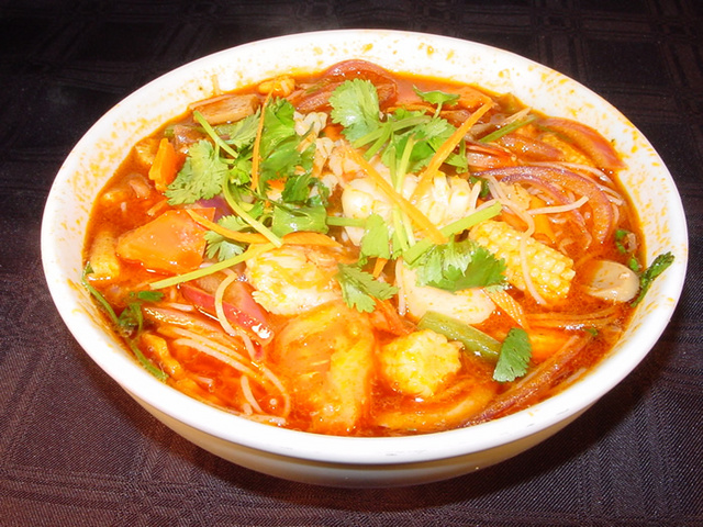 Tong_yam_rice_noodle_soup_1